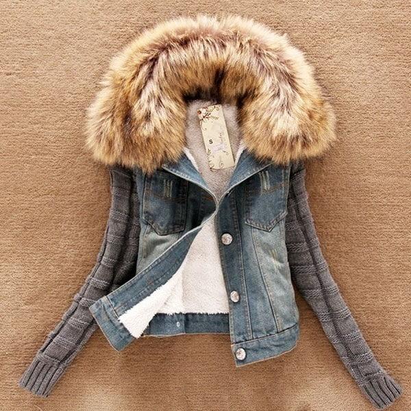 女性のファッションダウンとパーカスのフード付きジャケット女性のコットンパッド入りの冬のウォームコート
