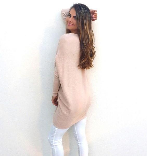 カジュアルルーズロングスリーブセーター女性のVネックニットウェアプルオーバージャンパートップファッション冬