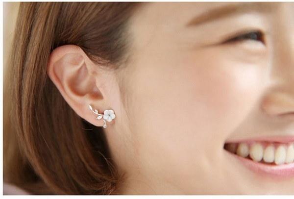 クリスタルスタッドピアスBoucle D oreille女性のシェルフラワーピアスBijoux Jewelry Pendient