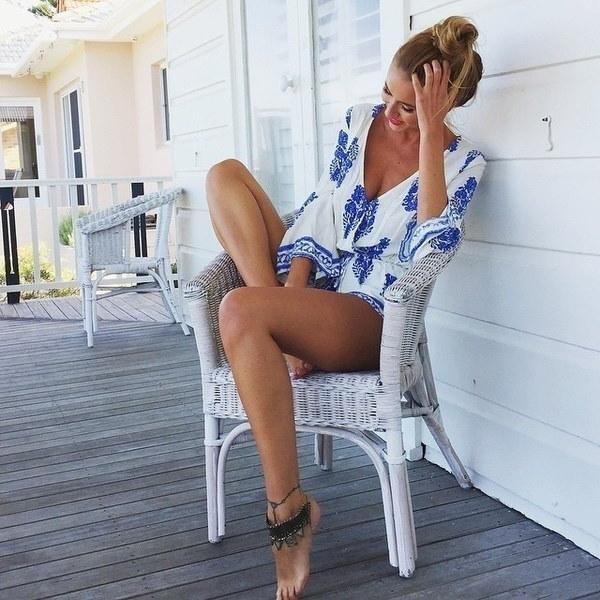 長袖レディース花柄プリントカジュアルビーチロンパースショーツファッションホワイトディープセクシーなVネック
