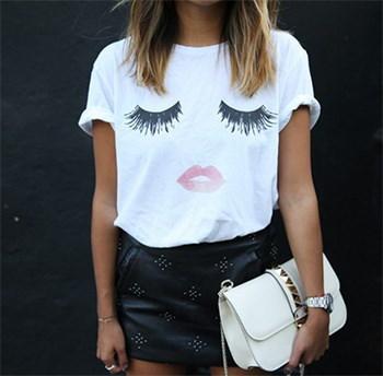 夏の女性のカジュアルなTシャツtshirtまつげのリッププリントルースのTシャツ