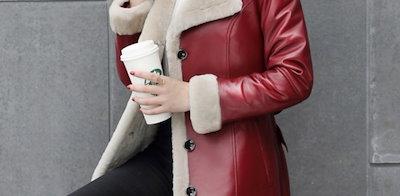 大人気 中綿ジャケット フェイクレザーコート ロング丈 レディース 冬 アウター セレブ 中綿 防寒 コート ゆったり フード付き 厚手 暖か デートptnmi0012