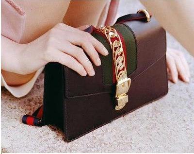 雑誌に掲載された人気バッグ・芸能人愛用のバッグ・リュック/上質本革使用/レザーキューブバッグ/ブランドレベルの品質 ショルダーバッグショルダーバッグ・通勤バッグ・通学バッグ/カバン