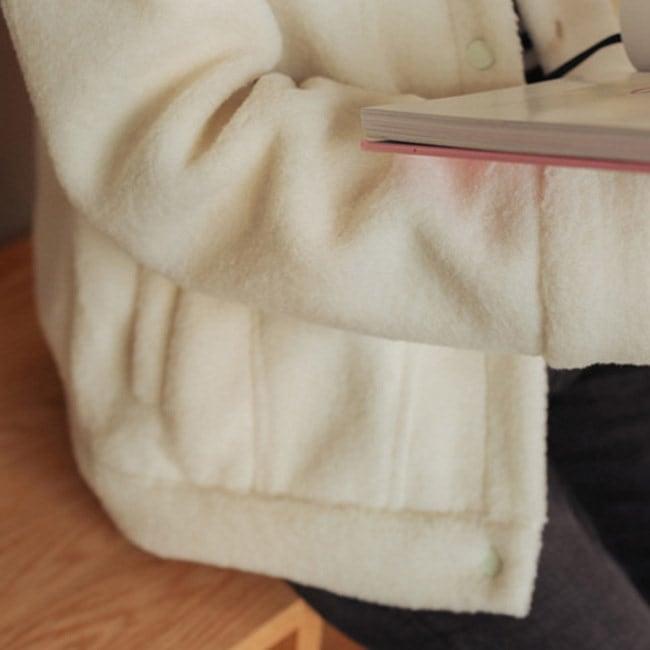 ボアジャケット レディース 白 ホワイト ドロップショルダー ゆったり もこもこ 厚手 冬 ブルゾン アウター ショート丈 暖かい あったか 防寒着 トップス おしゃれ