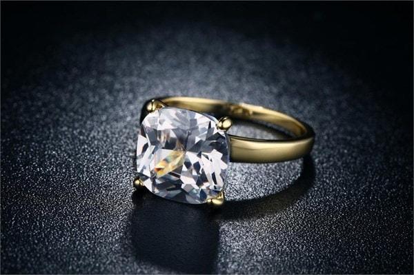 女性18キロの結婚指輪レディースジュエリー大きな正方形10ミリメートルジルコンゴールドリングギフトparyファッション新しい宝石