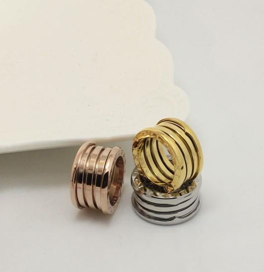 2017新しいブランド3色のブルガリアのリングすべての金属の春は高品質の高級ブランドジュエリーTitaを形作った