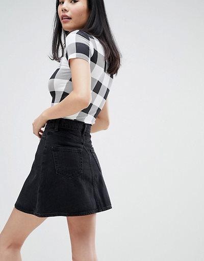 モンキ レディース スカート ボトムス Monki denim mini skirt with organic cotton and button detail in black