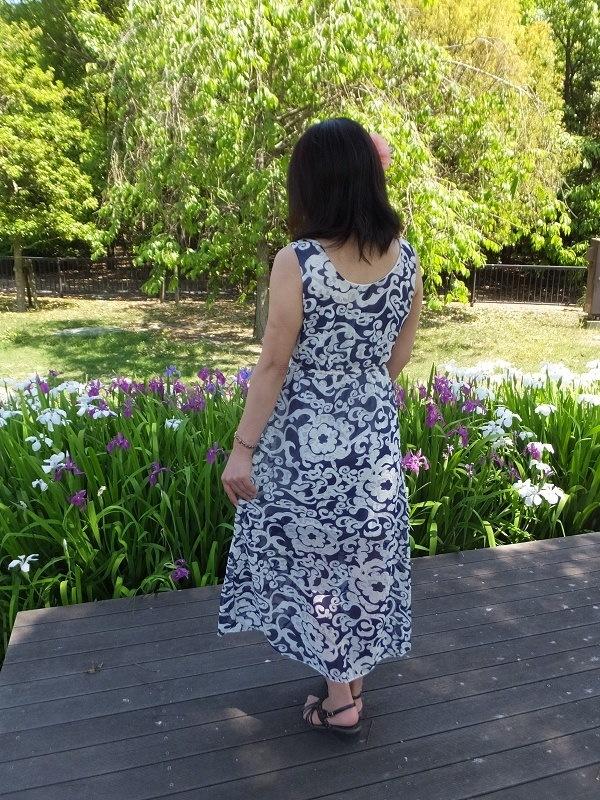 送料無料 リゾートワンピース ロング 大花柄 フリーサイズ 全2色
