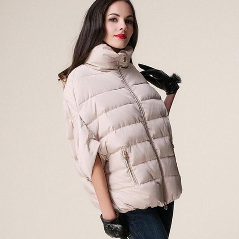 女性のバットウィングスリーブDowncoatハーフスリーブルーズスタンドカラーの冬のコートプラスサイズ