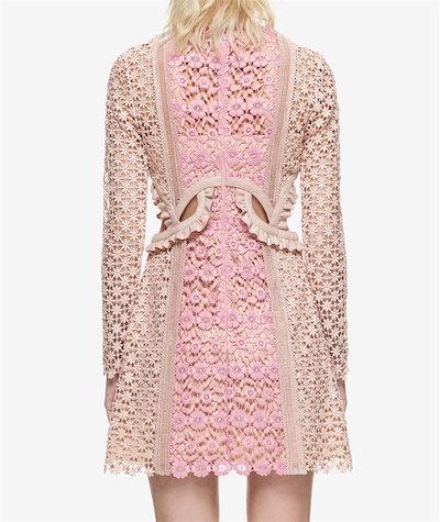 DISCOVER THE SEASON【春夏新品発売】韓国ファッション    腰が高い  レース  刺繍   ワンビース  結婚式