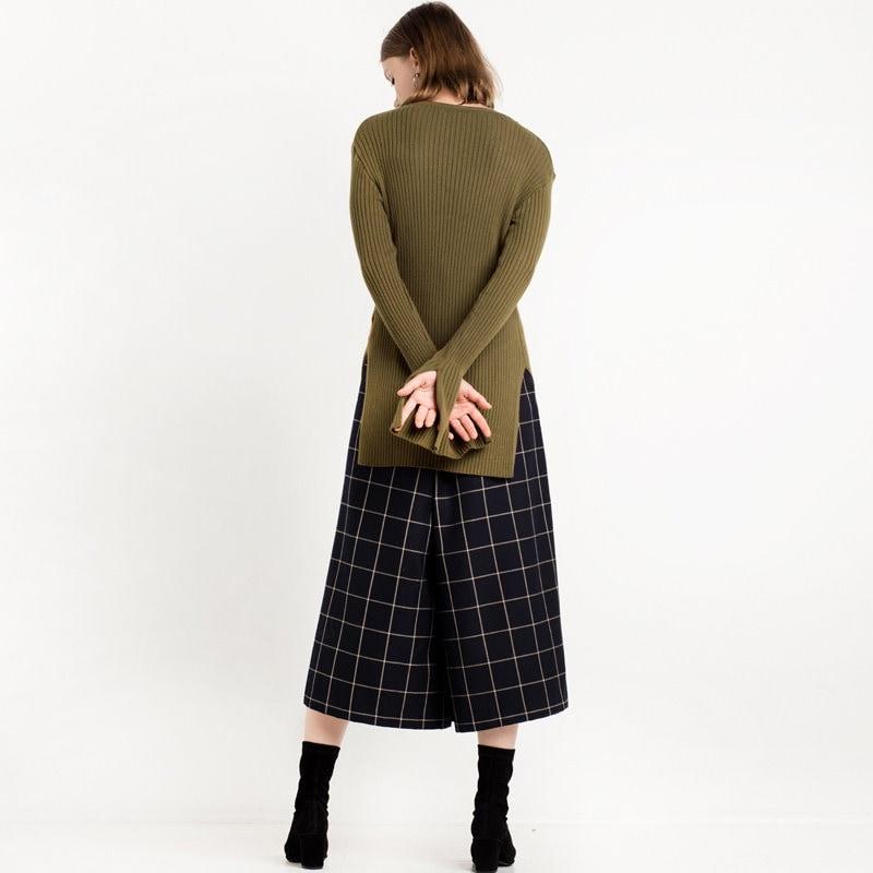シンプルなサイドスプリット長い固体ラウンドネックのセーター