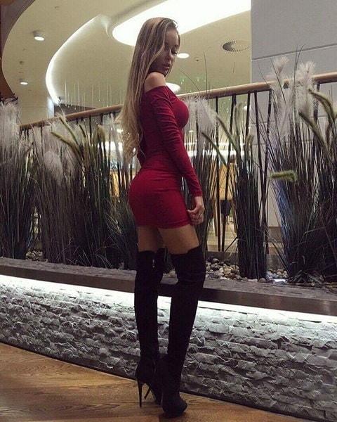 新しい女性の高首輪ストラップレスストラップレスタイトドレス