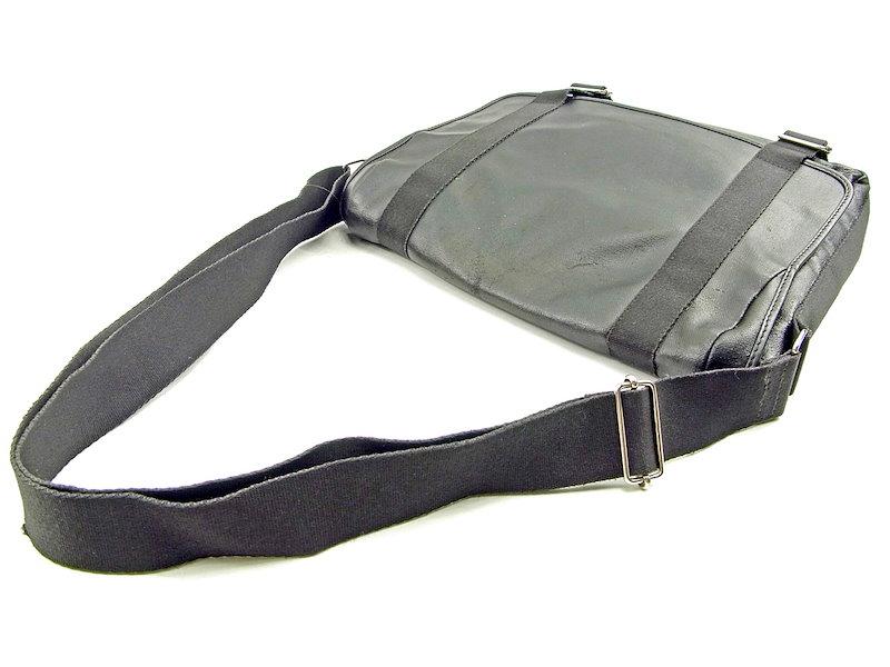 ディオール オム Dior Homme ショルダーバッグ メッセンジャーバッグ レディース メンズ 可   ブラック PVC×キャンバス 人気 セール 【中古】 T3780 .