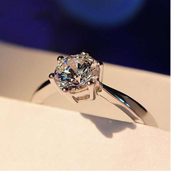 2 Ctラウンドカット女性のためのダイヤモンド925スターリングシルバーソリティア婚約指輪