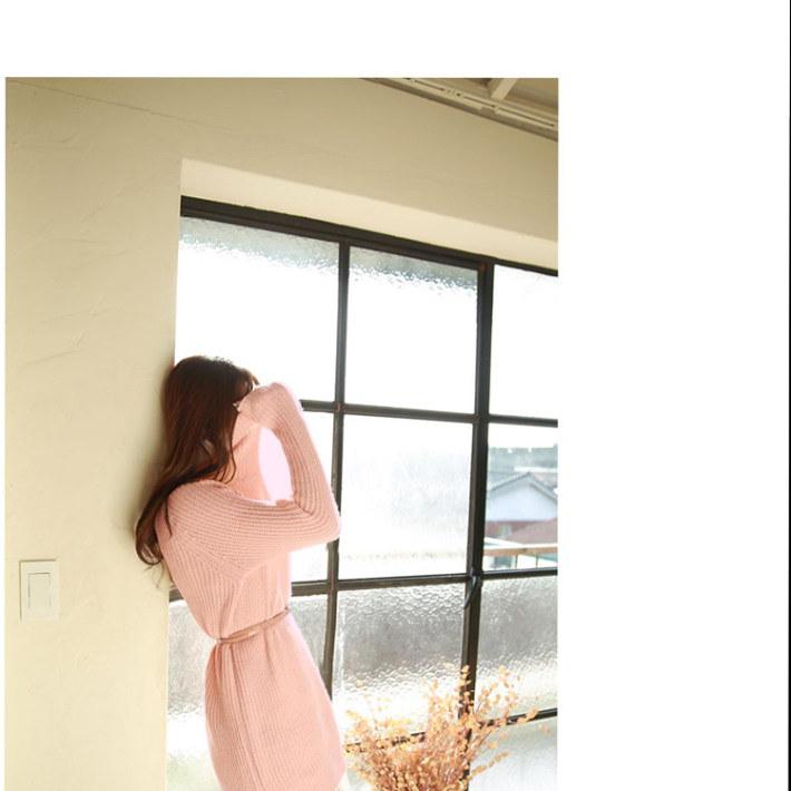 キュートカラーに上品さをプラス♪スリムレースハイネックセータードレス☆