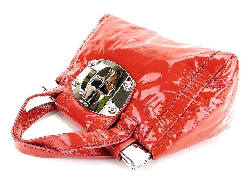 ミュウミュウ miu miu ハンドバッグ バッグ レディース  ターンロック ダークピンク×シルバー系 エナメルレザー 美品 セール 【中古】 T3517 .