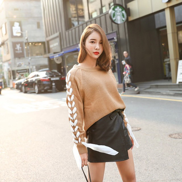 Unusual Style Knit Tee Beige Camel Black Daily Look Daily Bag