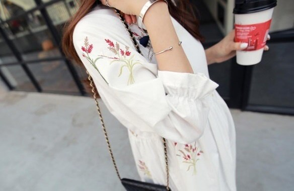 花柄 刺繍 スイート ワンピース ドレス Aライン チュニック 清楚 ホワイト 白 サイズ豊富 大きいサイズ オシャレ 体型カバー 可愛い ドール パフスリーブ 提灯袖 二の腕カバー マタニティ ナチュラル 韓流 ファッション 七分袖 ガーリー (63-92) ※納期に10日から14日ほどかかります。