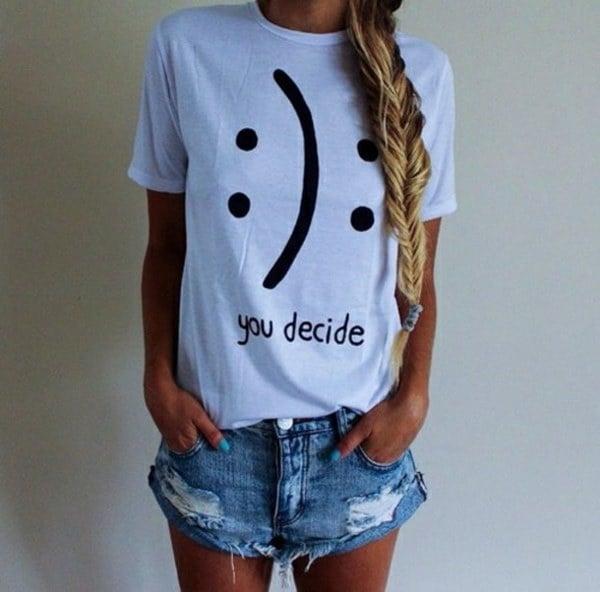 プラスサイズスマイフェイスかわいい女性の女の子夏のポリエステルホワイトトップスTシャツ2017
