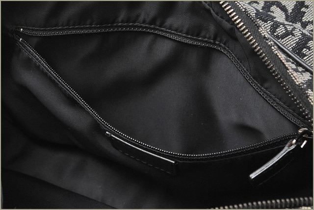 クリスチャンディオール Christian Dior 斜め掛けショルダーバッグ ロゴ/キャンバス ブラック【中古】