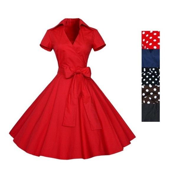 レトロシックなポルカドットパーティーカクテルのピンナップロカビリースイングドレス