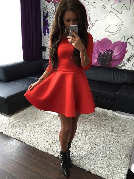 新しい女性セクシーなタイトなショートドレス女性のトップス服ロングスリーブ秋冬のボールガウンドレススリム