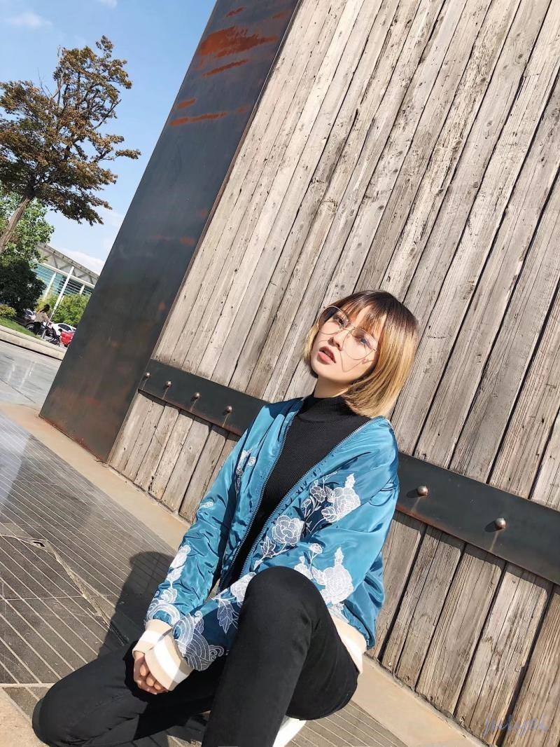 欧米風レディース花刺繡  おしゃれ カジュアル ジャケット ストレッチ裾 ファスナー 長袖コート着やせ ゆったり ジャケット