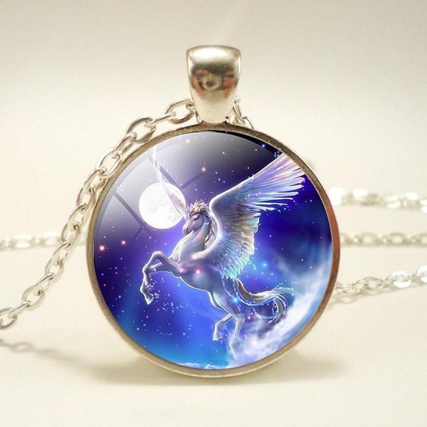 満月飛行白馬ガラスドームペンダントシルバーチェーンネックレス翼ユニコーングラス宝石Fairyt
