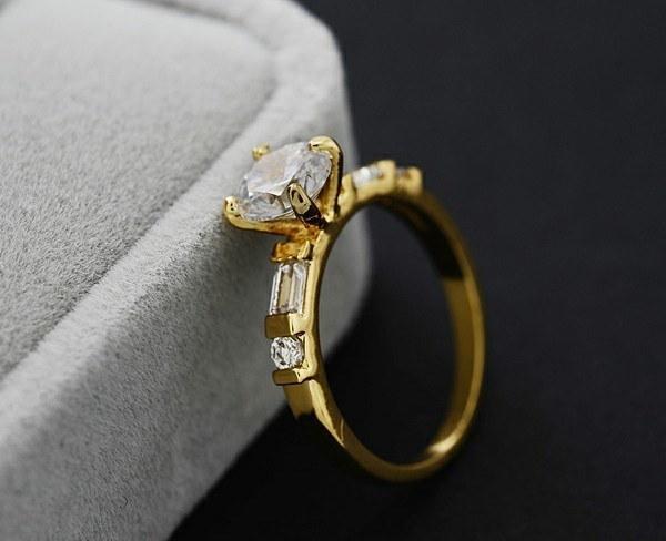 最高の品質2014新しいデザインファッションノーブルメッキ18Kリアルゴールドジルコンクリスタルリング!