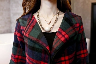The slim Plaid wool tweed coat two piece suit and long sleeved dress