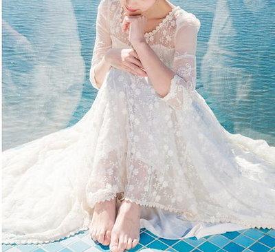 女らしさがたっぷり 7分丈袖したフラワーロングドレス [b0168]