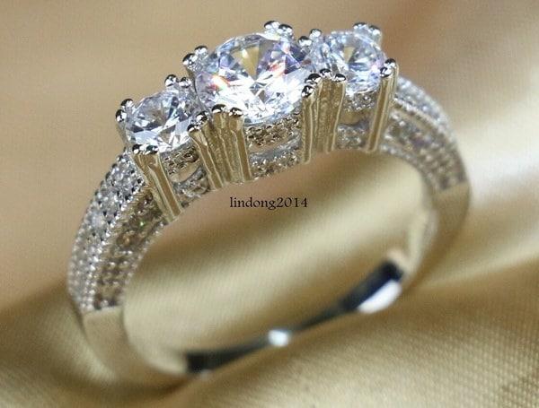 Sz6-9ラグジュアリー10KTホワイトゴールドは、3つの石ホワイトCZ女性の結婚指輪の高品質のギフトを充填