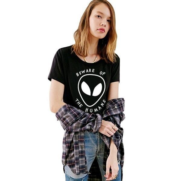 夏のスタイルのグランジ女性の作物のトップグラフィックティーンズ人の願いエイリアンプリントショートTシャツ
