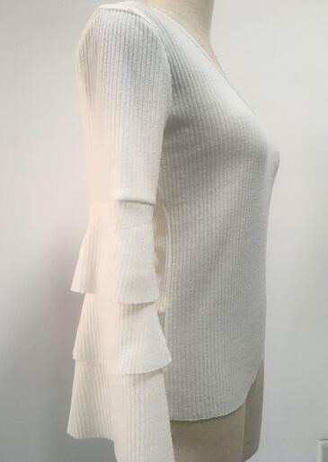【送料無料】【即納】テイァード 3段フリル袖 可愛い セクシー Vネック ホワイト  薄手ニット セーター トップス