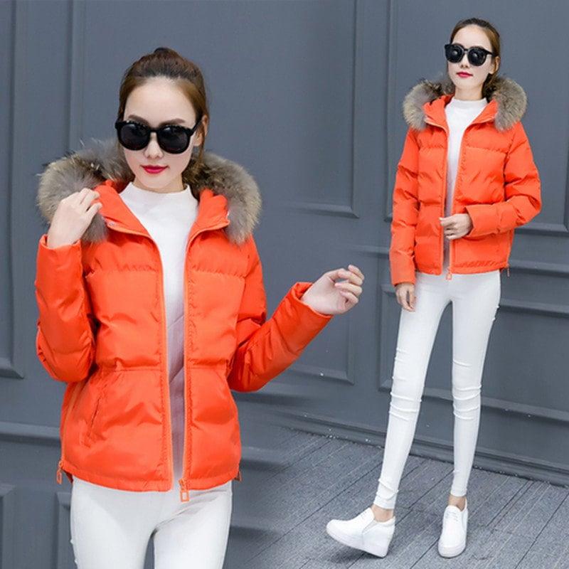 冬のコートの女性の短いセクション韓国の毛皮の襟ライトジャケットコットンスリム学生厚手の暖かいジャケット