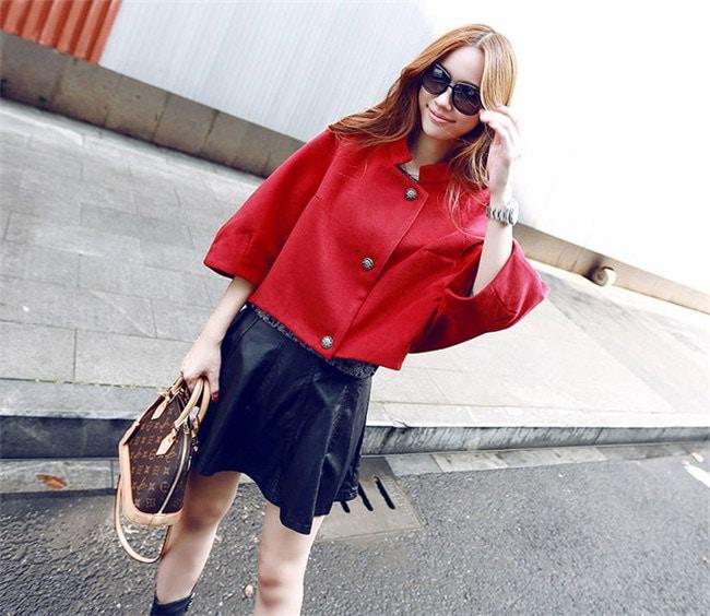 【2016春夏新作】コートジャケット ショートトレンチコート☆スタンダードに着たり、レディーに着たり、カジュアルに着こなしたりとコーディネート力無限大のアイテム。 春ファッション★韓国ファッション リコメンドは今年らしいショート丈!!フラットシューズやスニーカーで着こなしてもバランスよく、合わせるボトムも選びません。SMLXLXXL