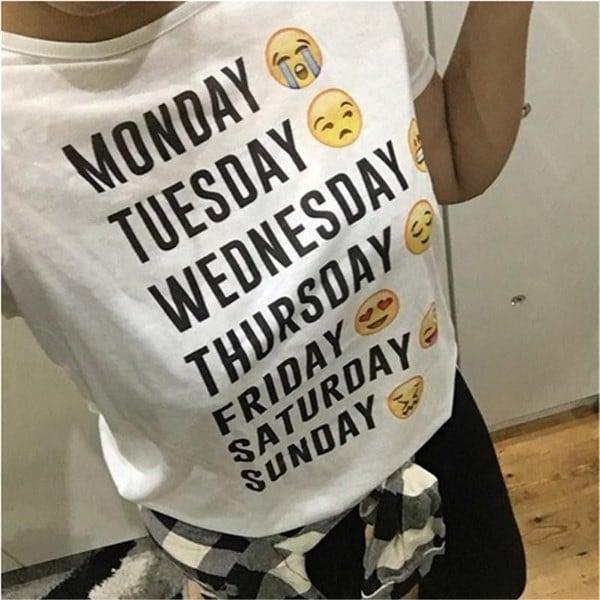 夏のスタイルカジュアル半袖ファッション女性スポーツ月曜日から日曜日Emoji白いレターのTシャツ