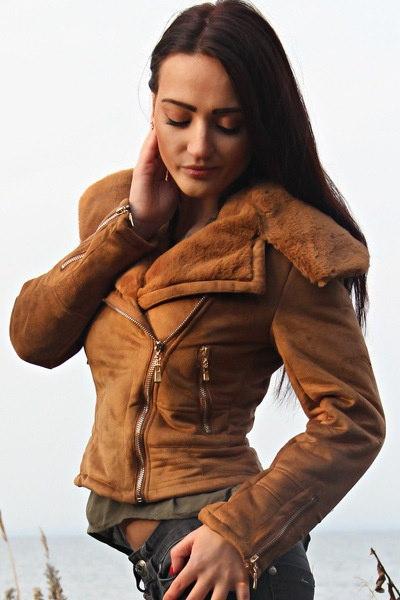 女性の冬の暖かいスリムウールブレンドアウターFauxファーカラーコートジャケットsc161122-70