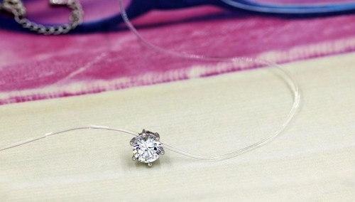シンプルなクリスタルネックレスインビジブルラインジルコン鎖骨気質ネックレス女性ファッションAc