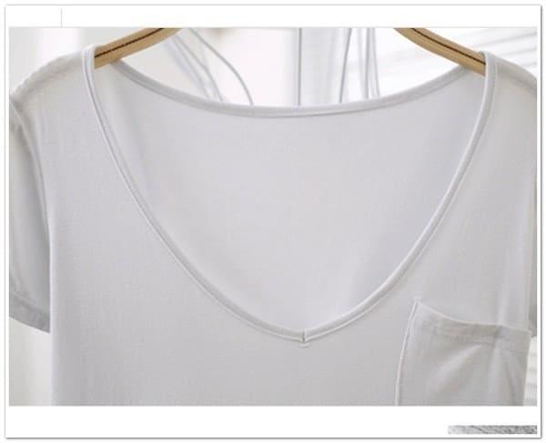 大きい夏のゆるい半袖、ネックラインV.女性のTシャツ