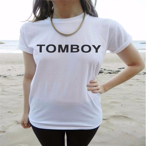 ユニークな女性の夏のコットンTOMBOY手紙スタイル黒い白いOネックトップTシャツ