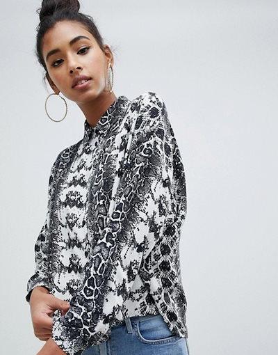 エイソス レディース シャツ トップス ASOS DESIGN cropped long sleeve shirt in snake animal print