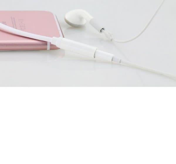 iP7 / 7 Plus用3.5mm Auxメスイヤホンヘッドフォンコネクタへの照明コードヘッドセットアダプタケーブル