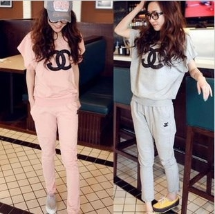 830 # new summer leisure suit sportswear suit female summer new bat short-sleeved pants 656,211
