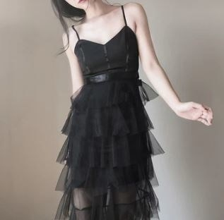 ティアードスカート メッシュワンピース ストラップドレス ワンピースドレス Vネック バックリボン ブラックドレス エレガント フェミニン セクシー イベント お呼ばれ