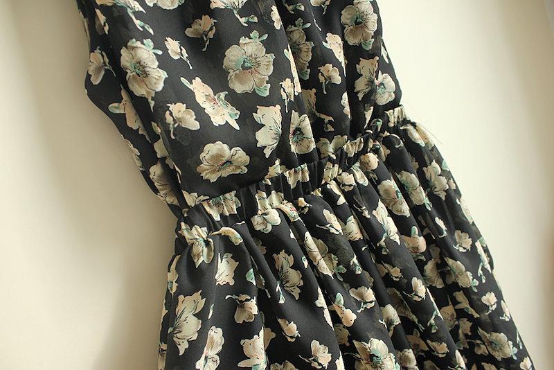 マキシ丈 ドレス・ボヘミアン ビーチドレス ロング マキシワンピ ワンピース フレア ノースリーブ ハイネック 花柄 シフォン サラサラ 清楚 スイート 可愛い サマードレス マキシ丈 ブラック 黒 ホワイト 大きいサイズ(64-100) ※納期に10日から14日ほどかかります。