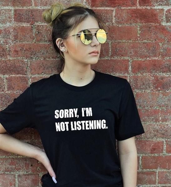 夏のカジュアルTシャツグラフィックティーズ女性の手紙ラウンドネック半袖Tシャツ
