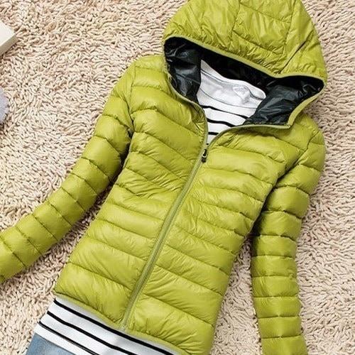 秋冬の女性スポーツスリムフード付きカジュアルジャケットコート