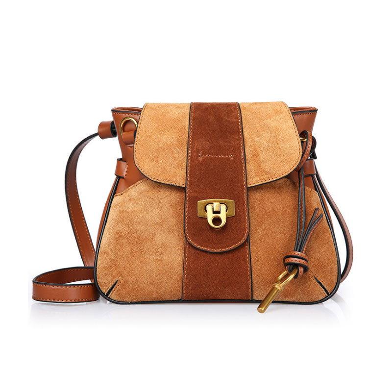 【予約 / 送料無料】本革レディースバッグ/雑誌に掲載されるファッションバッグ/斜め掛けバッグ/高級感/通勤バッグ/女子用鞄/ 4 colors