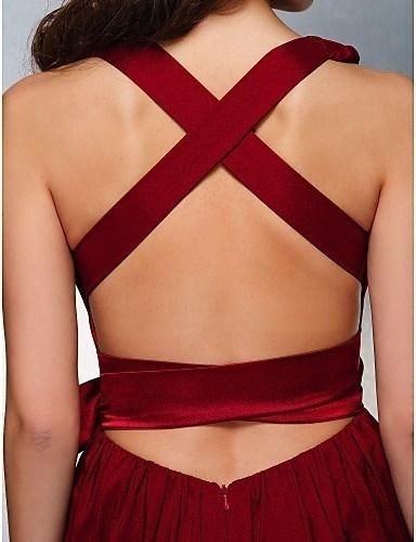 Prom / Formal Evening Dress - Burgundy Plus Sizes / Petite A-line V-neck Sweep/Brush Train Stretch Satin